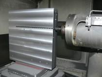 ダクタイル鋳鉄(FCD400)深穴加工 Φ8深さ420mm